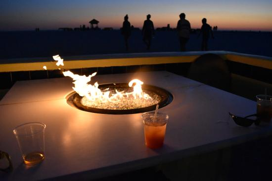 Alden Suites: Fire pits at beach side bar. - Fire Pits At Beach Side Bar. - Picture Of Alden Suites, St. Pete