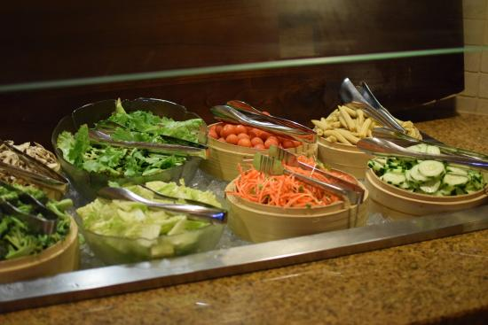 salad bar flying lobster buffet picture of voyager lanai kapaa rh tripadvisor co nz