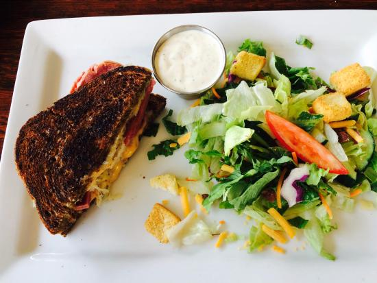 Leawood, KS: Half Reuben Sandwich & House Salad
