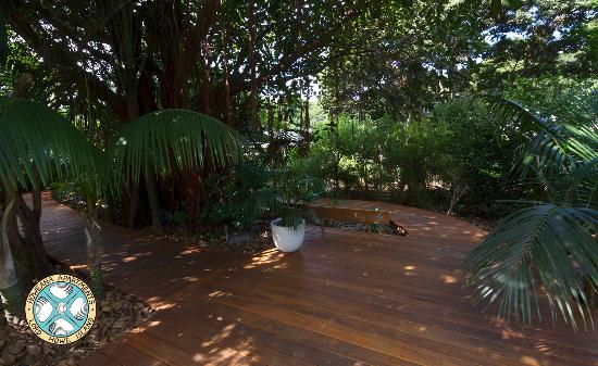 Howeana Apartments: Entry Boardwalk