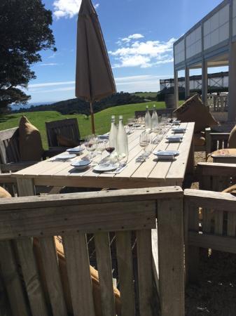 Isla Waiheke, Nueva Zelanda: Our amazing tasting table at Batch Winery
