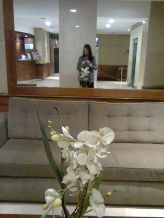 Lafayette Hotel: Hall de recepcion
