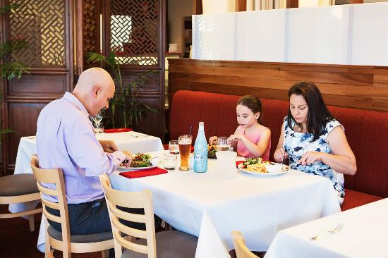 Metro Hotel Ipswich International: Harvest Restaurant & Bar