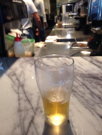 Joondalup, Australië: Beer and French Fries