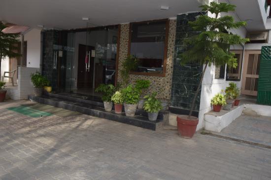 Hotel Moksha
