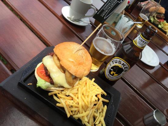 Aero Club of East Africa Restaurant: Bon Hamburger