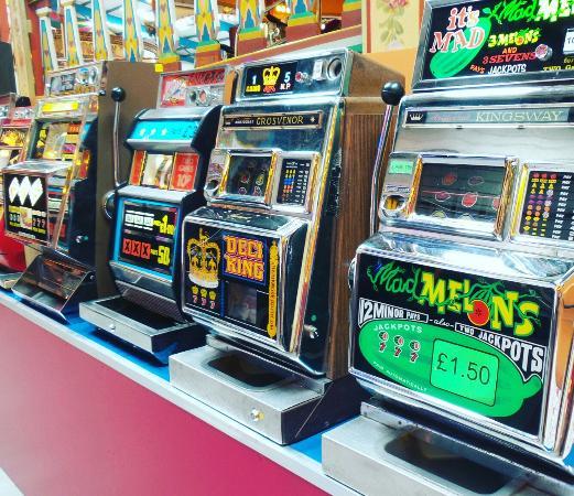 Lifton, UK: Slots