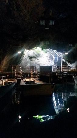 St-Leonard, Швейцария: 洞窟の入口