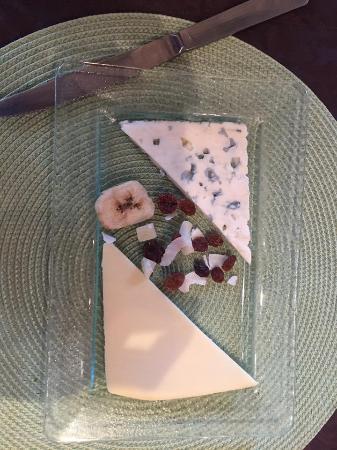 Saint-Pons-de-Thomieres, Fransa: Assiette de fromage du menu à 20€