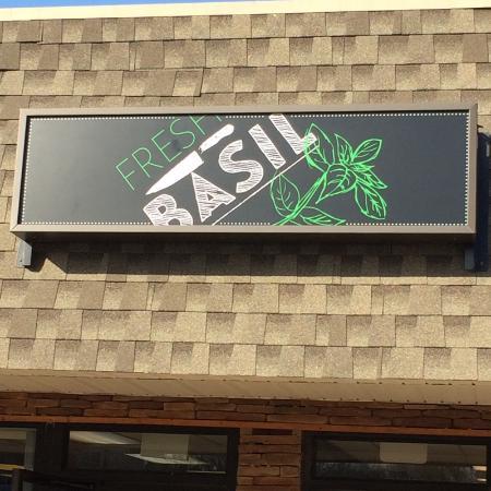 Meriden, CT: Fresh Basil