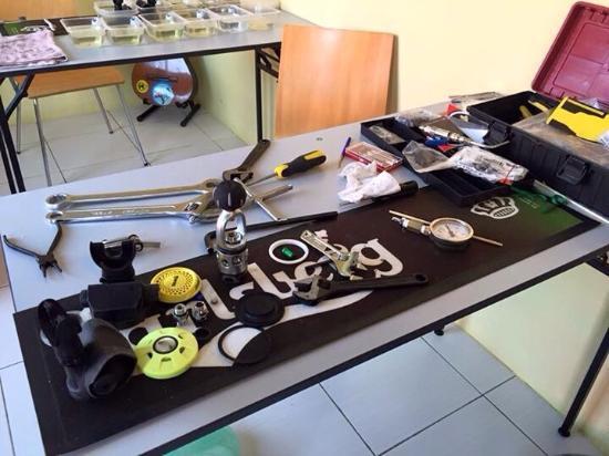 Semporna, Malezja: Checking equipment