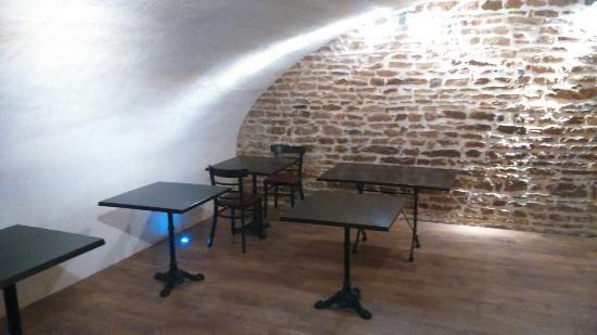 Cluny, Francia: Nouvelle salle...magnifique...et parfait de fraîcheur pour cet été