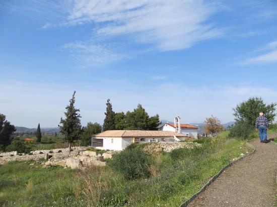 Asini, Grecia: Church, additional buildings and ruins.