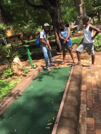 Tshipise a Forever Resort: mini golf...tigers