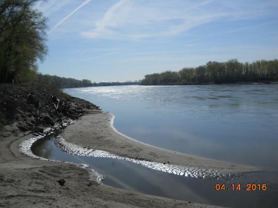 Parkville, MO: River