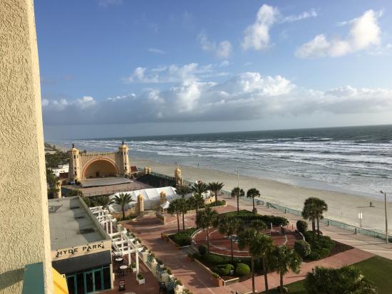 picture looking out balcony hilton daytona beach oceanfront resort rh tripadvisor com