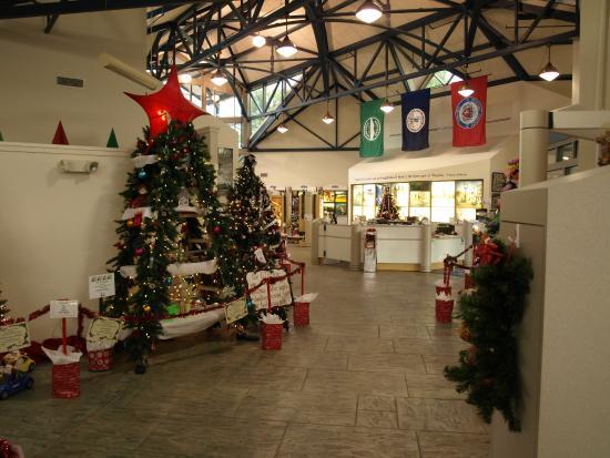 Bedford, VA: Visitors center @ Christmas