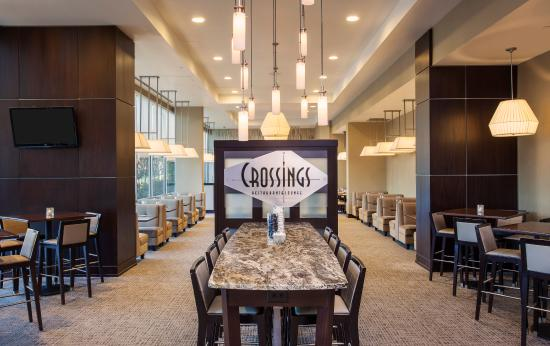 Crossings Restaurant & Lounge