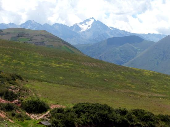Maras, Perú: 2016 Peru Moray Agriculture Environment The Surrounding Area