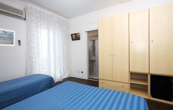 Hotel Vienna Bibione: Quadrupla - interno