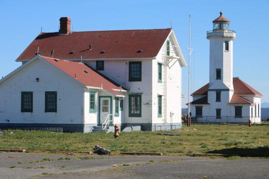 Fort Worden State Park: Point Wilson Lighthouse; note it is fenced off.