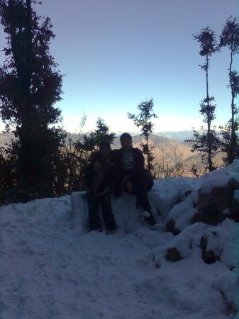 Hotel Burans Breeze : Visited in January and there was snow everywhere! Absolutely Delightful