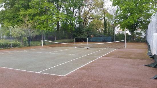 terrain de tennis - Picture of Camping Walmone, Saint Sulpice de ...