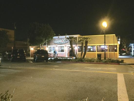 Seal Beach, CA: The Hangout Restaurant & Beach Bar