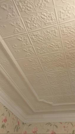 Sistersville, WV: Wonderful original tin ceiling in bedroom