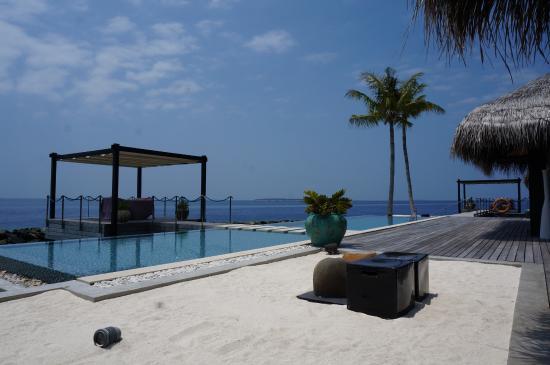 "Velaa Private Island: A fraction of the ""Romantic Villa"""