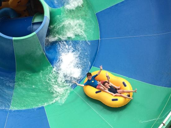 Wild Waves Water Park: Fantastic fun on some original rides