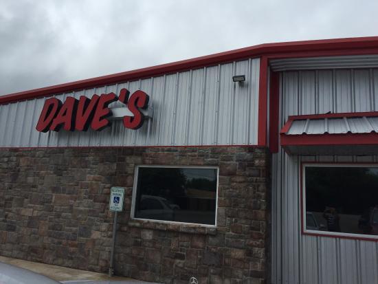 Dave's Burger Barn: photo1.jpg