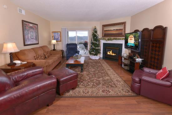 Whispering Pines Condominiums: WP244 Living Room