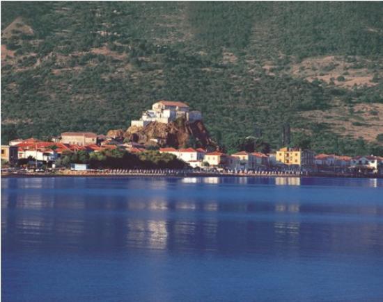 Greece: myrtos_kefalonia_shutterstock