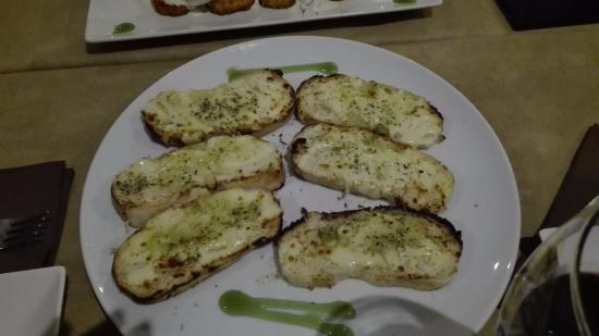 Montijo, Spain: Pan de ajo con mozarella