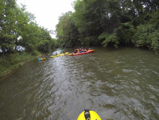 Leran, France: descente en canoe kayak sur l'Hers vif avec YAKAY kayak
