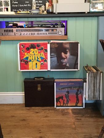The Common Room Cafe/Restaurant: Records playing whlie we ate