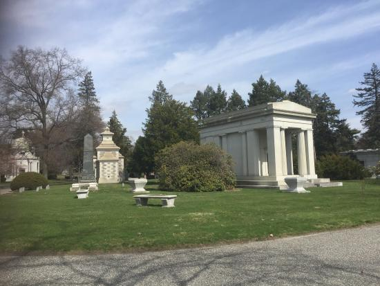 Woodlawn Cemetery: photo1.jpg