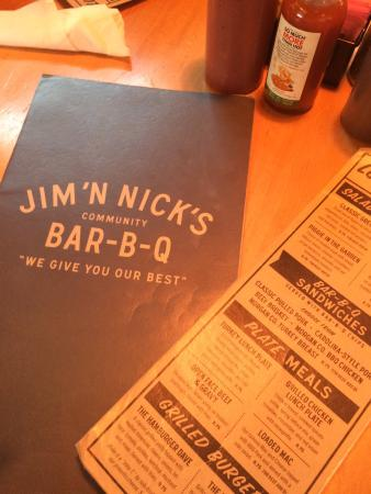 Auburn, Αλαμπάμα: dined for the first time at Jim 'N Nick's BBQ with mommy