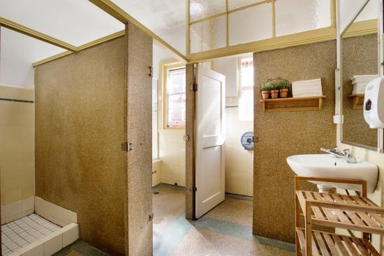 Pymble, Australia: Shared Bathroom Facilities