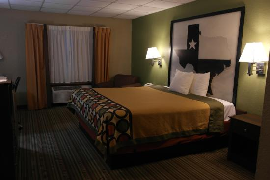 Super 8 Gainesville TX: Everything updated in room except drop ceiling, felt odd