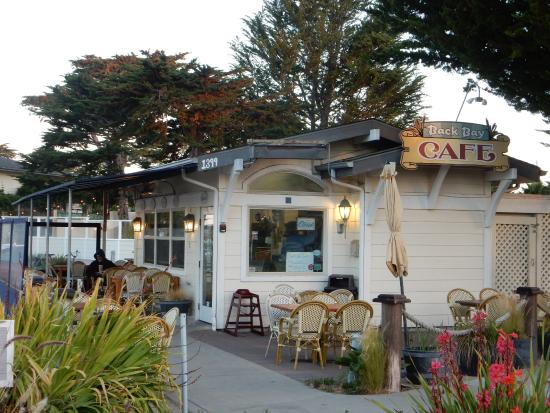 Baywood Park, Καλιφόρνια: A view of the Back Bay Cafe where you have breakfast.
