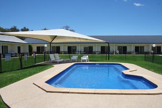 Roma Explorers Inn Motel & Function Centre: Explorers Pool