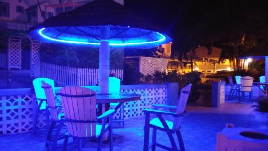 Ocean Reef Yacht Club & Resort: Pool Area