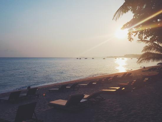 Hacienda Beach Resort: View from balcony during Sunrise