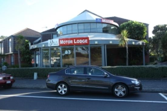 ASURE 83 By The Sea Petone: Front view of motel