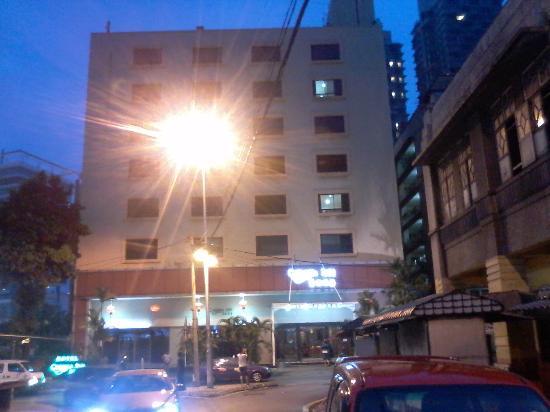 view from outside jalan tong shin picture of corona inn kuala rh tripadvisor co za