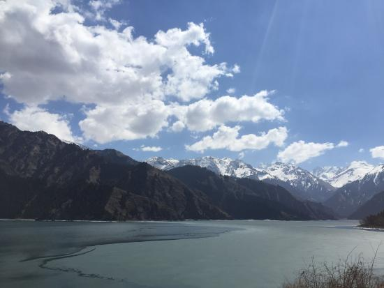 Fukang, Kina: Mt. Tianshan and Tianchi Lake Scenic Resort