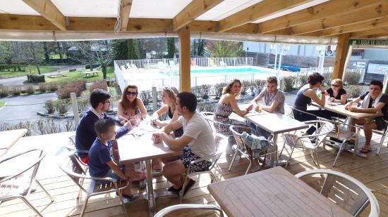 Camping les chevaliers de malte photo de camping les for Bar la piscine paris 18