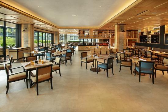 ll one restaurant picture of royal tulip gunung geulis resort and rh tripadvisor com
